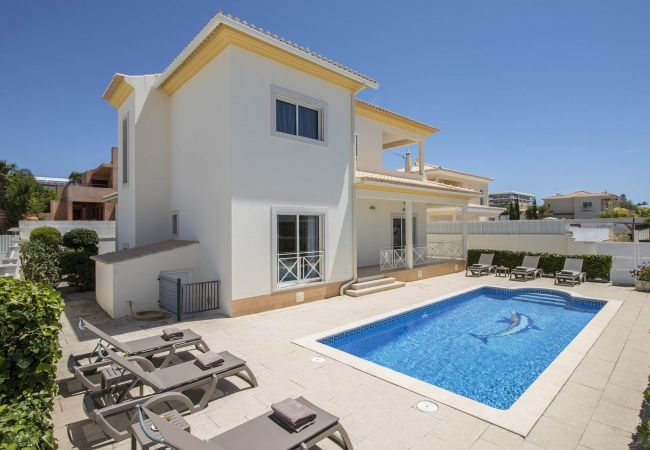 Villa/Dettached house in Galé - Villa Maresia | 4 Bedrooms | Easy Walking Distance to Beach | Galé