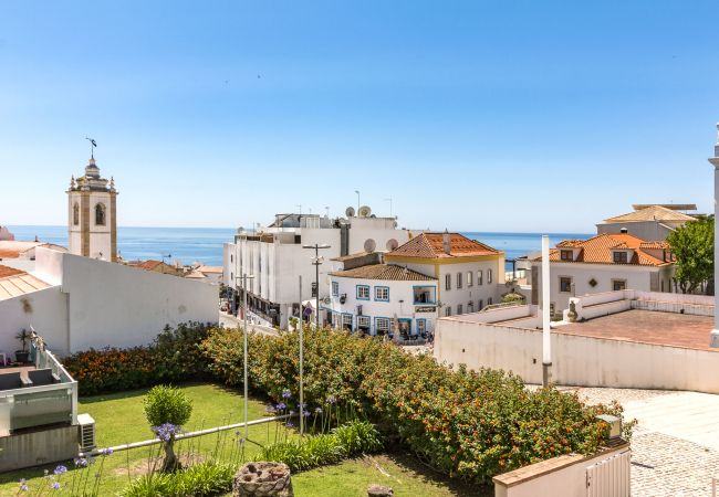 in Albufeira - Well-Appointed Apartment in Old Town Albufeira