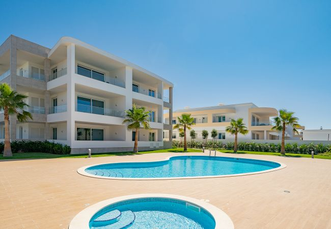 in Lagos - Well Located Apartment | Vila Ancora | Porto de Mós